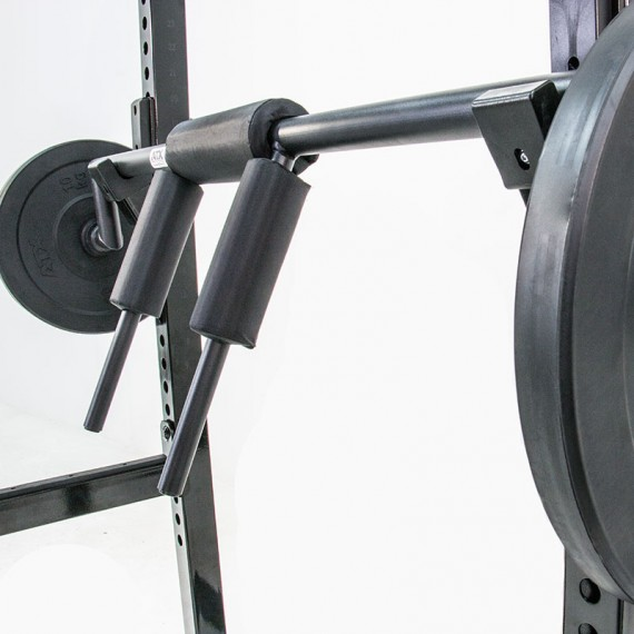 ATX Safety Squat Bar - Anwendungsbeispiel am Rack in der Detailansicht