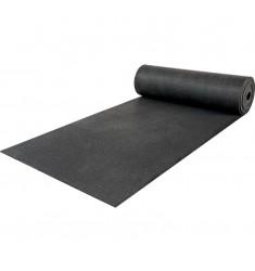 Gummiboden Schutzbelag in schwarz 10 mm Stärke - halb ausgerollt