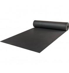 Gummiboden Schutzbelag in schwarz - halb ausgerollt
